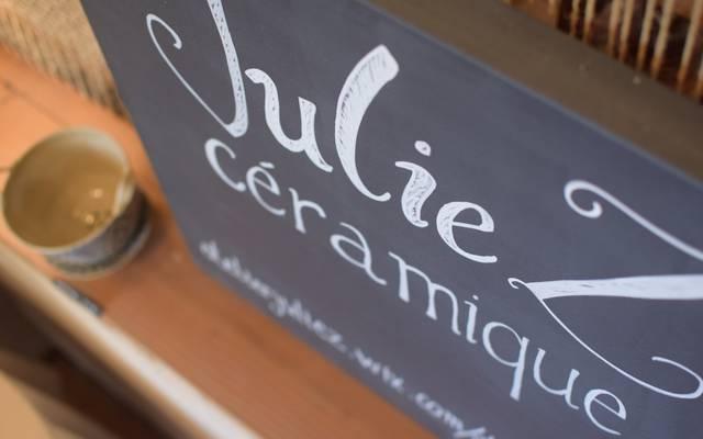 Julie Lopez – Céramiste et propriétaire de « L'atelier de Julie Z » à Terrasson